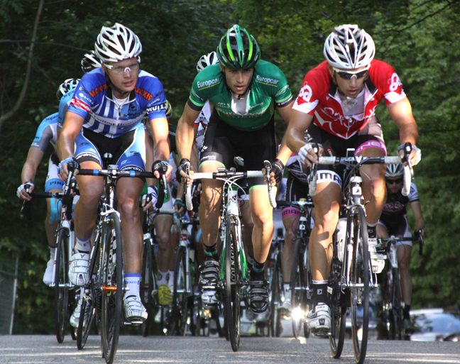 (l-r) Meier, Veilleux and Riggs at the front of the lead chase group.[P]Chris Redden