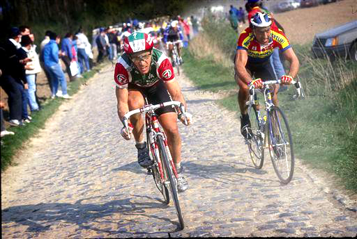 Steve Bauer (l) battles Eddy Planckaert on the cobbles [P] Cor Vos