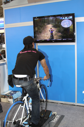 Tacx has a new virtual reality trainer where you have to steer the bike on the trainer to keep it on course © Chris Redden