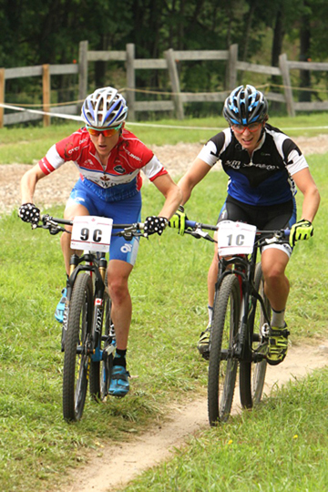 Pendrel (l) battles Montambault putting Cycling BC A in contention  ©  Peter Kraiker