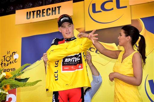 Dennis puts on the fabled yellow jersey for the first time [P] Cor Vos