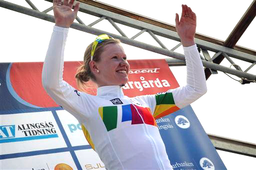 Jolien D'Hoore leads overall [P] Cor Vos