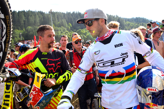 Steve Smith and Gee Atherton [P] Andrew Rogers
