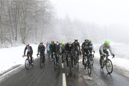 Race cancelled because bad weather - snow [P] Cor Vos