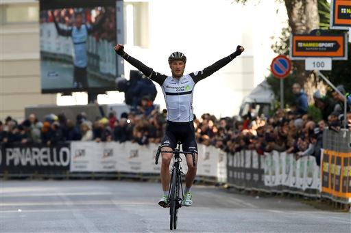 Stephen Cummings (Gbr) Dimension Data wins Stage 4 [P] Cor Vos