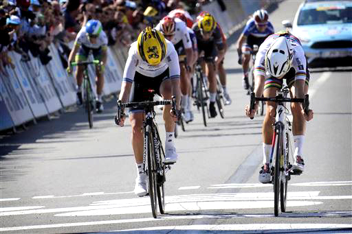 Johansson (l) and Armitstead at the line [P] Cor Vos