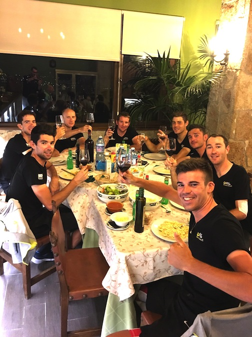 Team dinner at the Vuelta [P] Direct-Energie